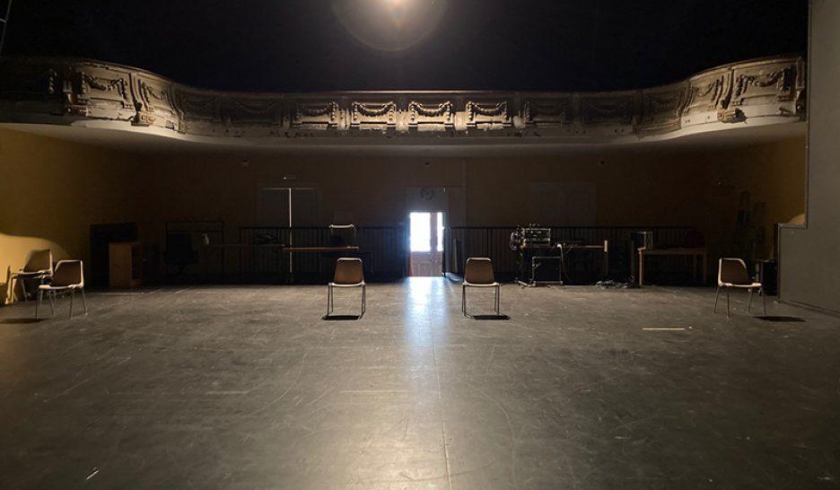Театр CRESCENDO будет давать спектакли на сцене зала Caecilia!